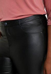 Dorothy Perkins Curve - COATED FRANKIE - Pantalones - black - 4