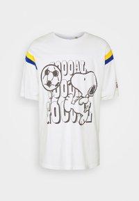 LEVI'S® X PEANUTS FOOTBALL TEE UNISEX - Print T-shirt - marshmallow