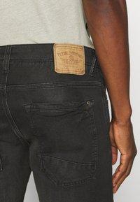 Petrol Industries - JEFFERSON - Denim shorts - black stone - 5