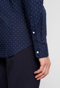 Seidensticker - SLIM FIT - Formal shirt - dark blue - 5