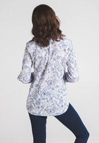 Eterna - MODERN CLASSIC - Button-down blouse - blau/weiß - 1