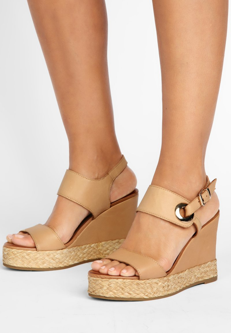 Inuovo - High heeled sandals - scissors scs