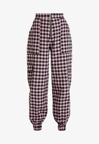 The Ragged Priest - PINK GINGHAM COMBAT TROUSER WITH CUFFED HEM - Kalhoty - pink - 4