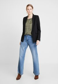 Soyaconcept - SC-THILDE - Blouse - army - 1