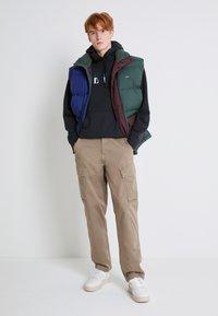 Levi's® - XX TAPER CARGO II - Cargo trousers - brindle back - 2