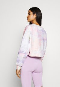 Karl Kani - SIGNATURE TIEDYE CROPPED CREW - Sweatshirt - multicolor - 2