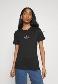 adidas Originals - T-shirt z nadrukiem - black - 0