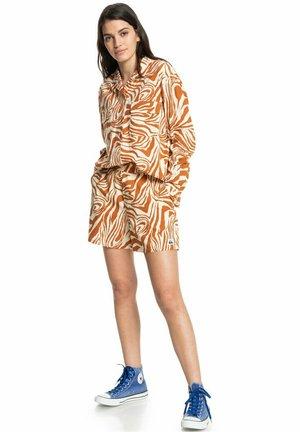 Shorts - clay zebradelia