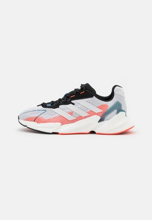 X9000L4 BOOST - Neutral running shoes - footwear white/core black/solar red