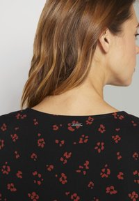 TOM TAILOR DENIM - Day dress - black rust flower print - 4