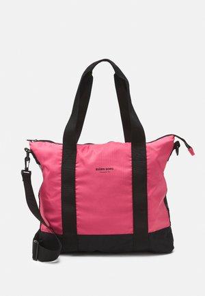 SERENA TOTE - Sportovní taška - pink