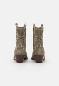 Alpe - TEJANA - Cowboy/biker ankle boot - army - 3