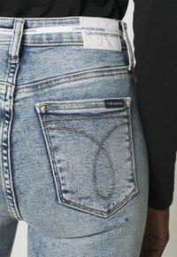 Calvin Klein Jeans - HIGH RISE - Skinny džíny - denim light - 5