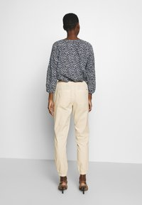 TOM TAILOR DENIM - UTILITY TRACK PANTS - Trousers - sand beige - 2