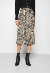 Moss Copenhagen - SANDRA ELLANORA SKIRT - Pencil skirt - black zebra - 0