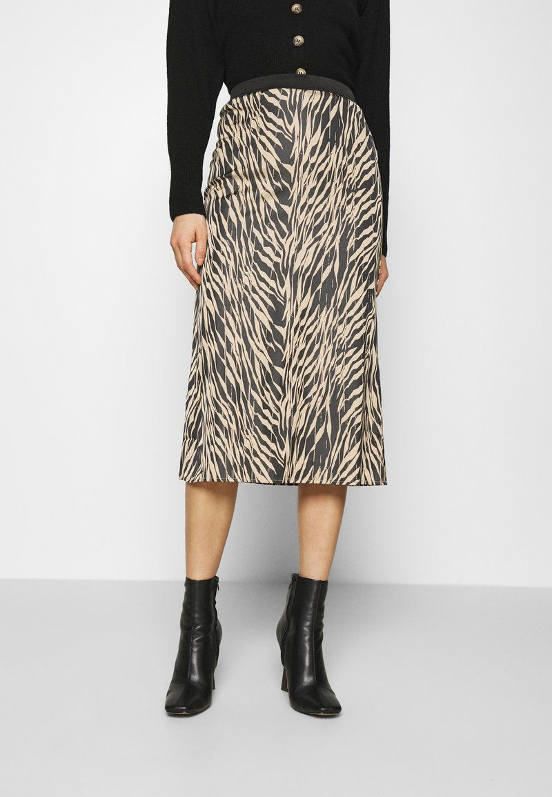 Moss Copenhagen - SANDRA ELLANORA SKIRT - Pencil skirt - black zebra
