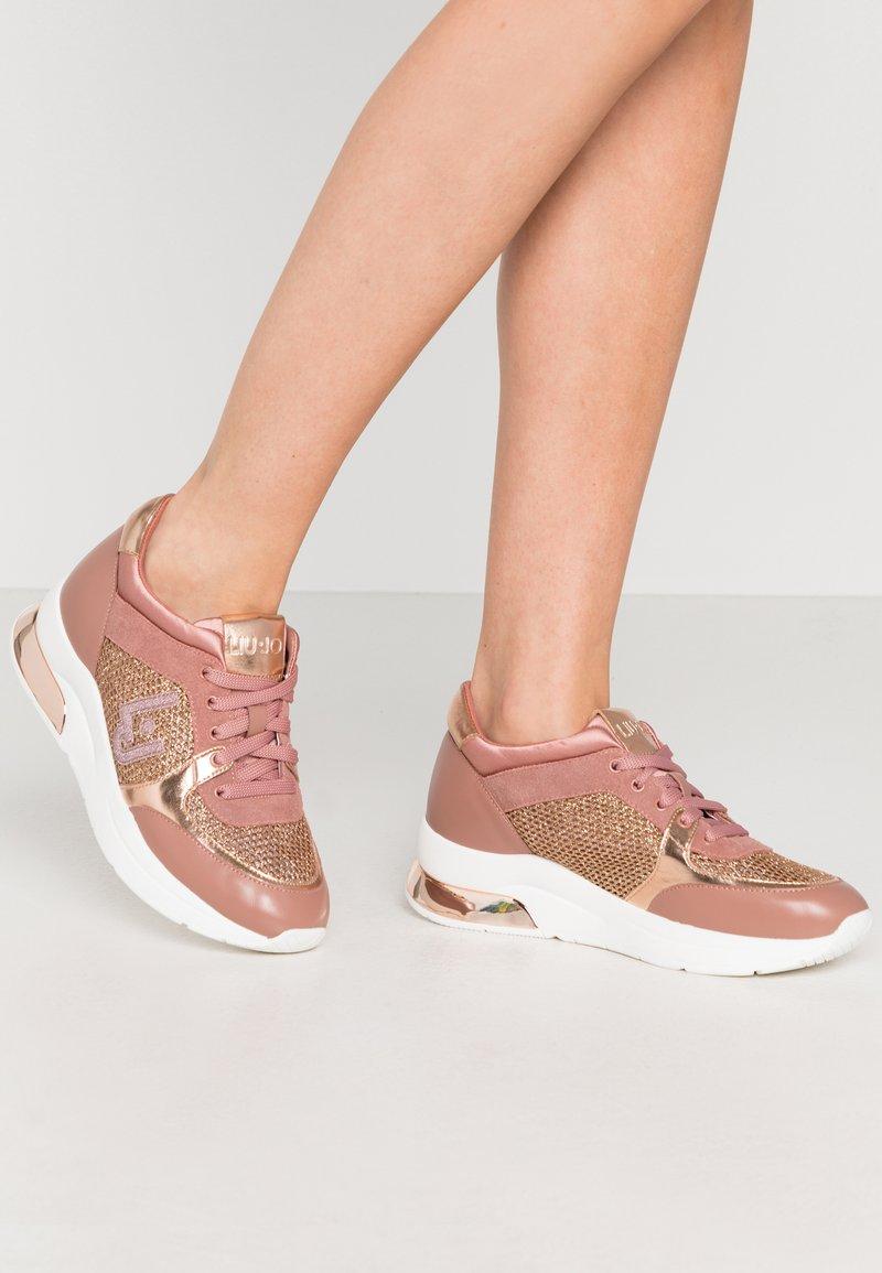 Liu Jo Jeans - KARLIE  - Trainers - pink/salt