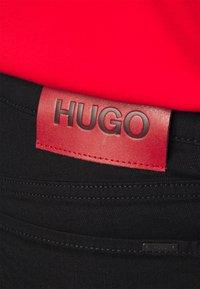 HUGO - Zúžené džíny - black - 4
