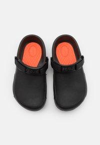 Crocs - BISTRO PRO LITERIDE UNISEX - Slip-ins - black - 3