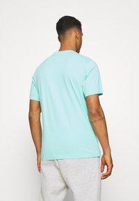 Nike Sportswear - TEE FUTURA TREE - T-shirt med print - tropical twist - 2