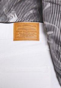 Levi's® - 724 HIGH RISE STRAIGHT - Straight leg jeans - western white - 5