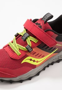 Saucony - PEREGRINE - Trainers - red - 2