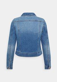 Vero Moda - VMFAITH SLIM JACKET - Veste en jean - medium blue denim - 1