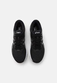 ASICS - Löparskor stabilitet - black/white - 3