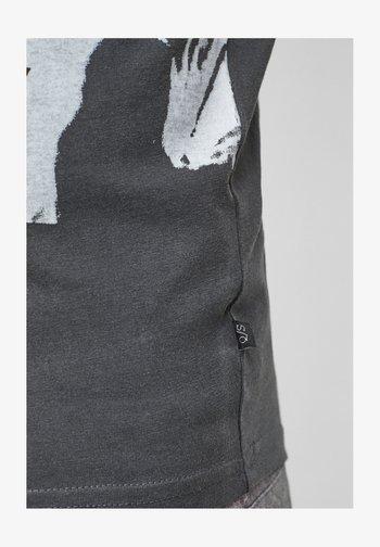 T-shirt imprimé - dark grey placed print