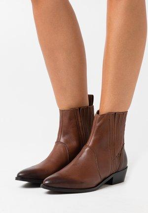 YASSALTA BOOTS - Støvletter - brown stone