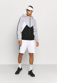 Lacoste Sport - TAPERED - Mikina na zip - gris chine/noir/blanc - 1