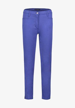 MIT AUFGESETZTEN TASCHEN - Trousers - deep ultramarine