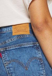 Levi's® - RIBCAGE - Szorty jeansowe - charleston erosion - 3