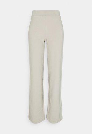 VMKAMMIE STRAIGHT PANT - Trousers - oatmeal