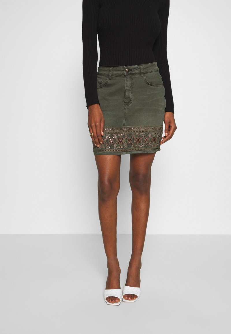 Desigual - FAL OSAKA - A-snit nederdel/ A-formede nederdele - verde militar
