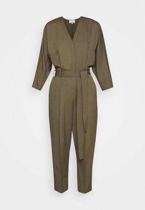3/4 BELTED JUMPSUIT - Tuta jumpsuit - fir green