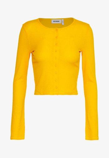 MINERVA LONG SLEEVE - Strikjakke /Cardigans - warm yellow