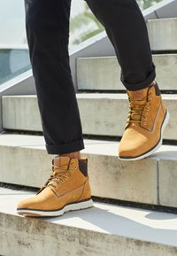 Timberland - KILLINGTON CHUKKA - Bottines à lacets - wheat - 6