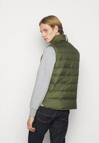 Polo Ralph Lauren - DENVER VEST - Waistcoat - dark sage/slicker yellow - 2