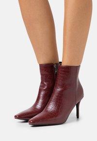 RAID - ROSITA - Ankle boots - bordo - 0