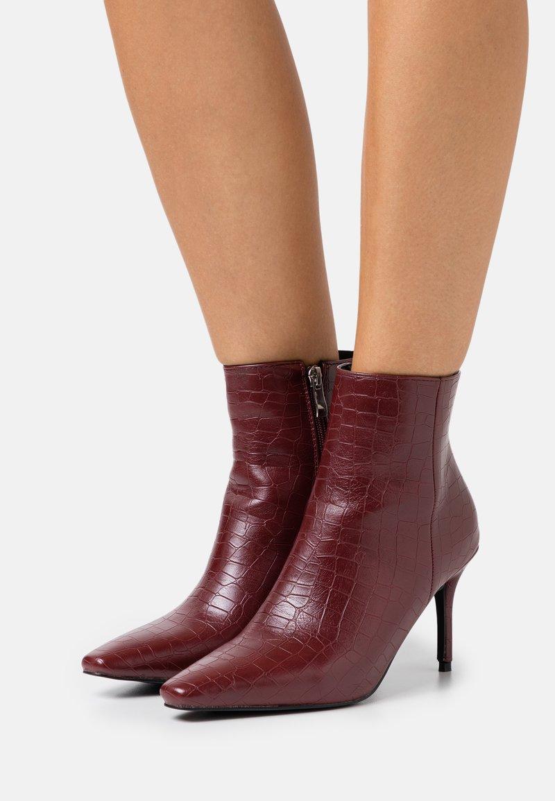 RAID - ROSITA - Ankle boots - bordo