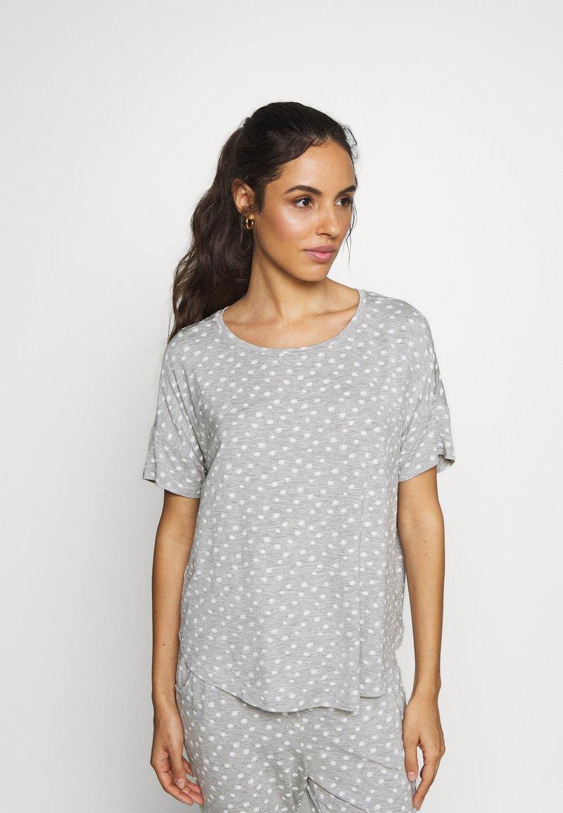 Hunkemöller - LOOSEFIT EYES - Pyjama top - warm grey melee