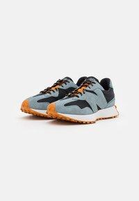 New Balance - 327 UNISEX - Sneaker low - black - 3