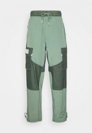 PANT - Trousers - spiral sage/white