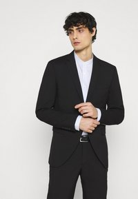 Selected Homme - SLHSLIM MYLOLOGAN CROP SUIT - Kostym - black - 2