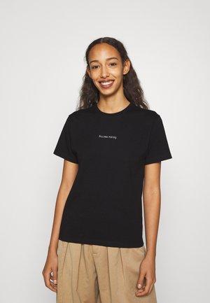 CORE FEMALE TEE BLACK - Camiseta básica - black