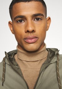 Jack & Jones - JJCRAMER JACKET - Tunn jacka - dusty olive - 3