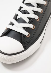 Converse - CHUCK TAYLOR ALL STAR MISSION WARMTH - Trainers - black/jasper red/vintage white - 5