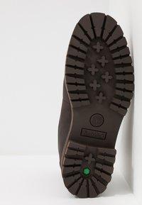 Timberland - COURMA GUY BOOT WP - Snörstövletter - dark brown - 4