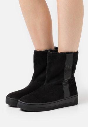 BOLOGNA BOOTIE - Platform ankle boots - black